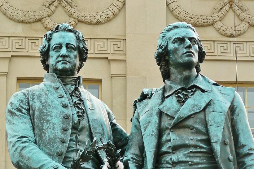 Goethe vs Schiller: Wer hat den Größten?