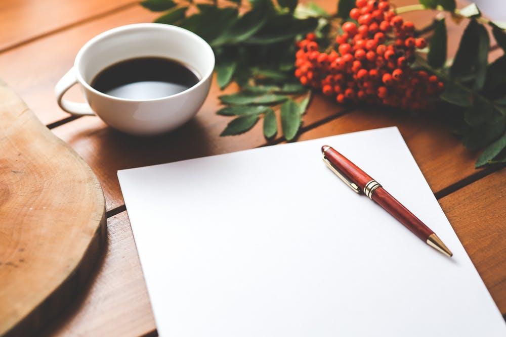 Kaffee und Stift